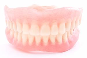 自由診療の義歯にかかる費用の概算